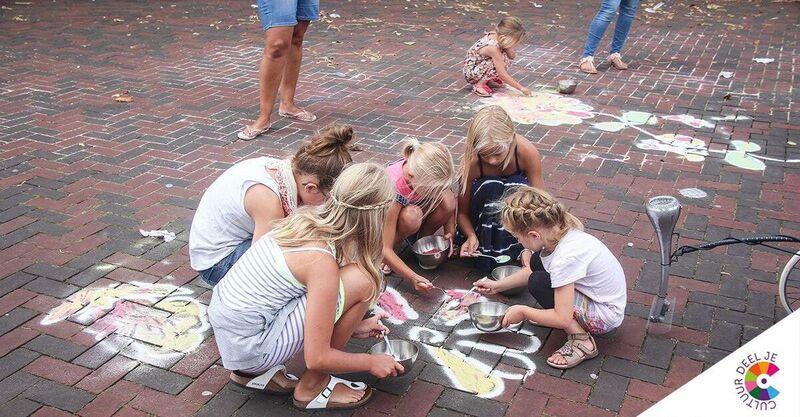 Laat de jeugd vanaf 29 april ook buiten kunst maken!