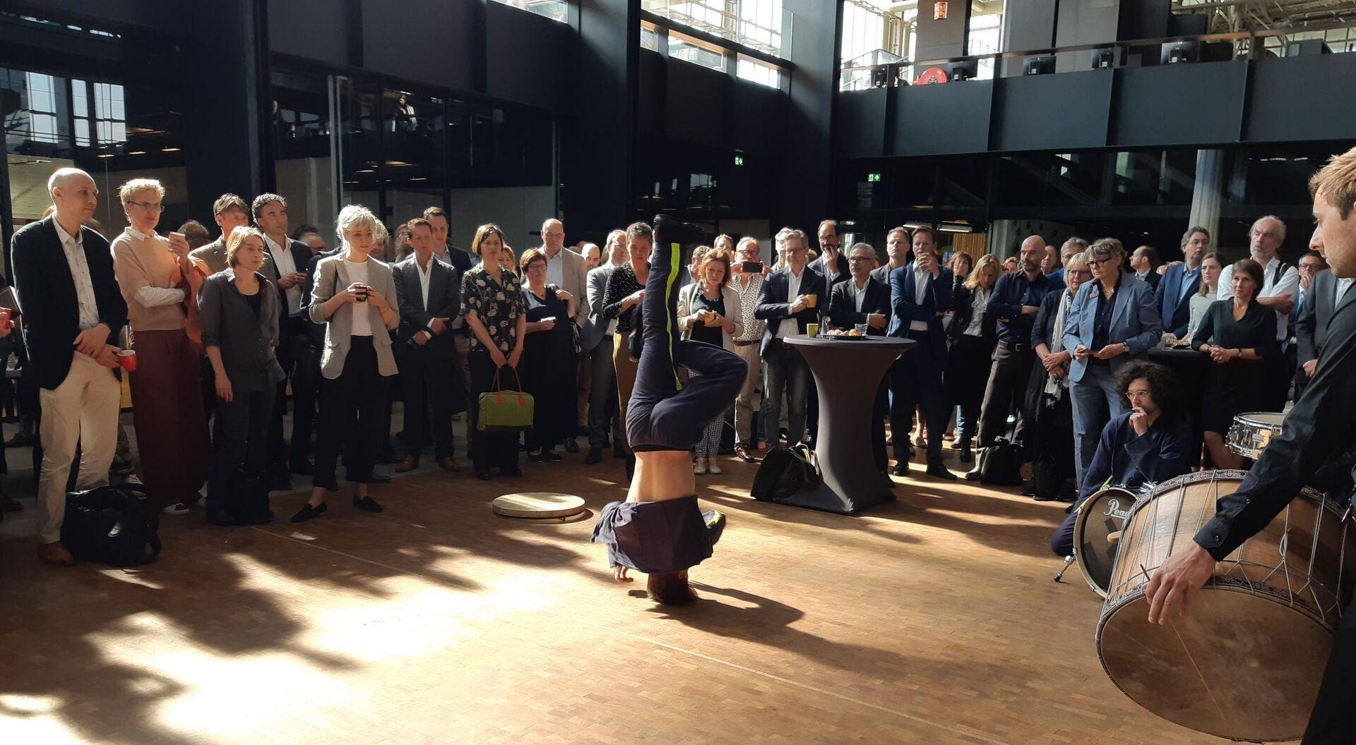 Minister van Engelshoven presenteert uitgangspunten in LocHal